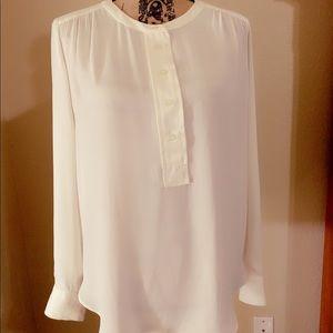 Ann Taylor blouse 🤩